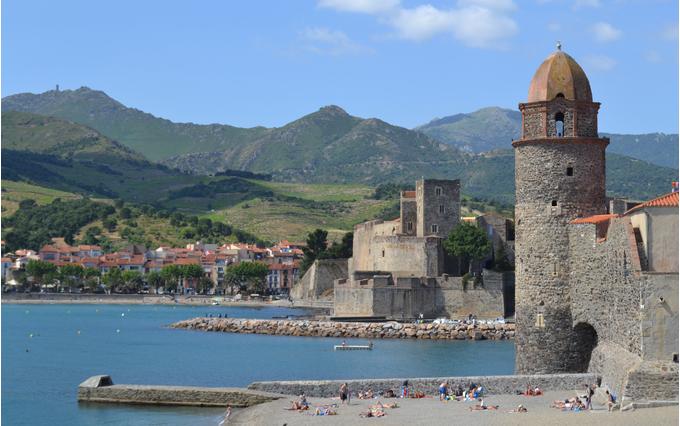 De nombreuses excursions sont organisées à travers la Catalogne au départ d'Amélie les Bains, voici les programmes mois par mois.